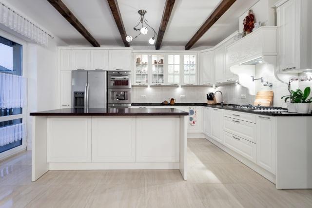 Max Kuchnie  A&K Kuchnie  nowoczesna kuchnia w bieli