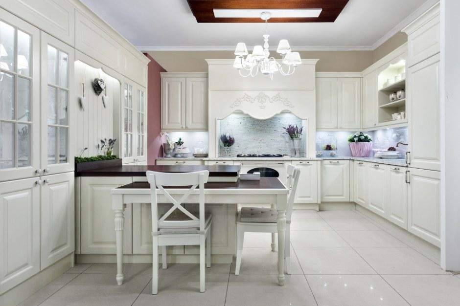 Biała kuchnia w stylu angielskim  Max Kuchnie  Kuchnia w   -> Kuchnia Angielska Oświetlenie