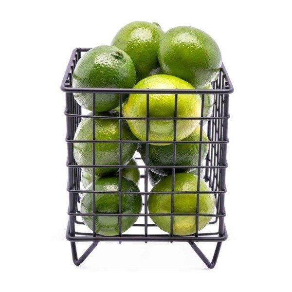 Stylowy druciany kosz na owoce