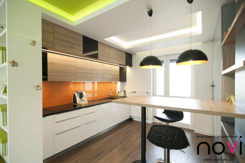 Aranżacja małej kuchni ze skórzanymi hokerami  aranżacje   -> Inspiracje Kuchni Malej