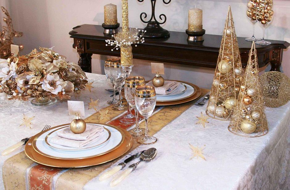 Złote Elementy Dekoracyjne Stołu świątecznego Dekoracja