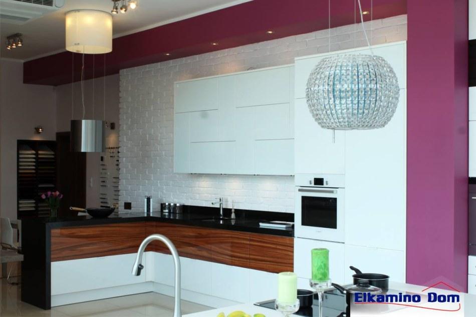 Biała cegła Elkamino na ścianie w kuchni