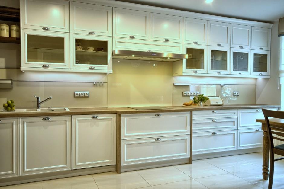 Białe Klasyczne Meble Kuchenne Dom W Chodzieży Kuchnie