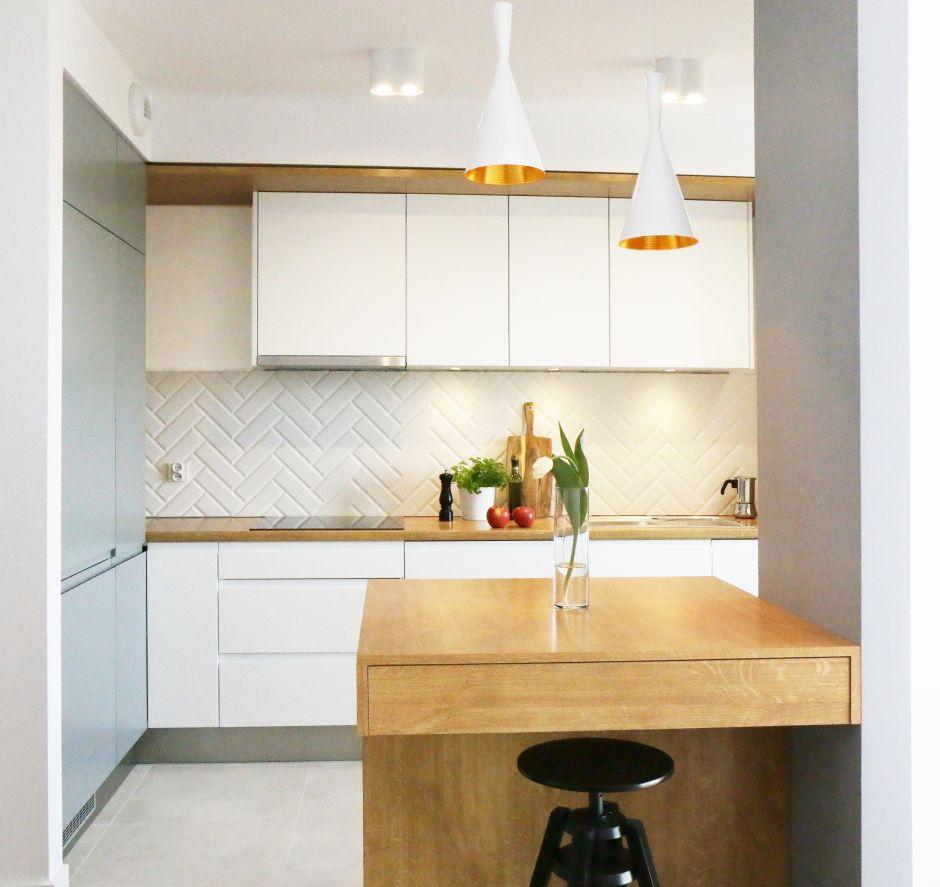 lampy nad batek w kuchni