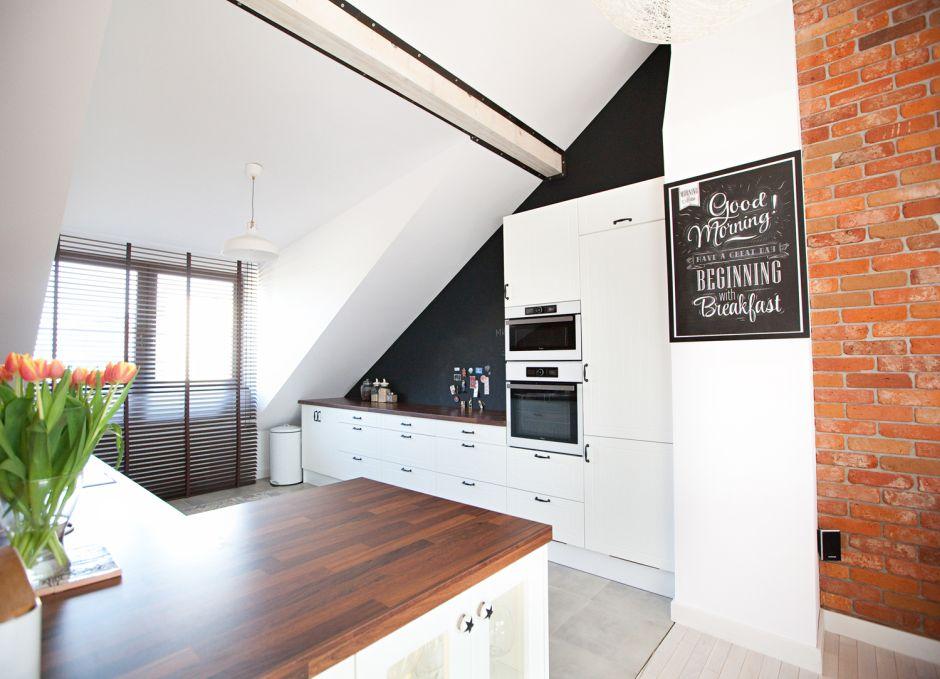 kuchnia na poddaszu - jakie okna