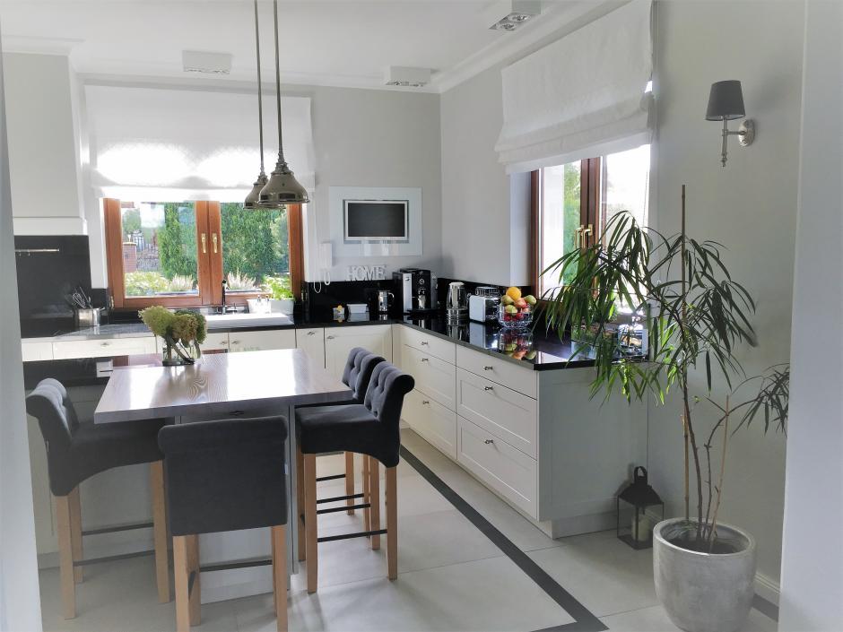 tapicerowane krzesła do kuchni