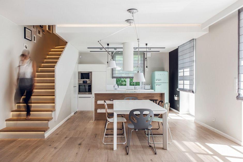 Drewniana Podłoga W Kuchni Pod Antresolą Pomysł Na Podłogę