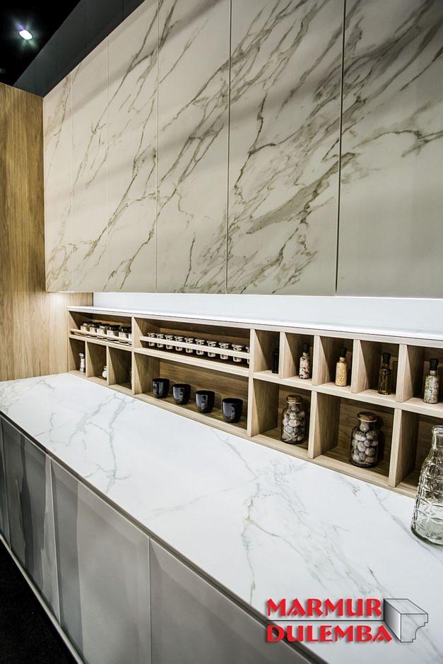 Spiek kwarcowy o dekorze marmuru - ekspozycja firmy Halupczok