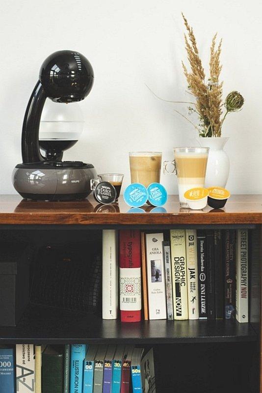 Ekspres kapsułkowy Esperta Dolce Gusto oraz kawy Espresso Intenso, Cappuccino Ice, Latte Macchiato