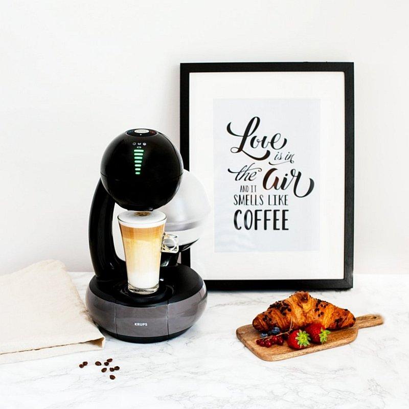 Ekspres kapsułkowy Esperta Dolce Gusto oraz kawa Latte Macchiato