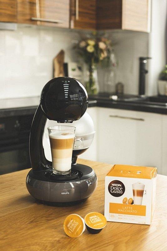 Kawa kapsułkowa Dolce Gusto Latte Macchiato oraz ekspres Esperta