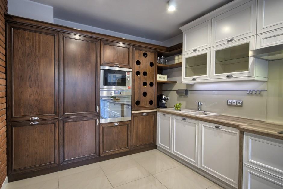 Klasyczne meble kuchenne w kolorze orzech  Dom w