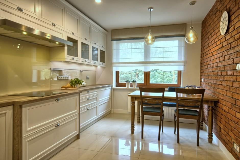 Aranżacje Kuchni Zdjęcie Kuchnia Angielska Z Cegłą Na