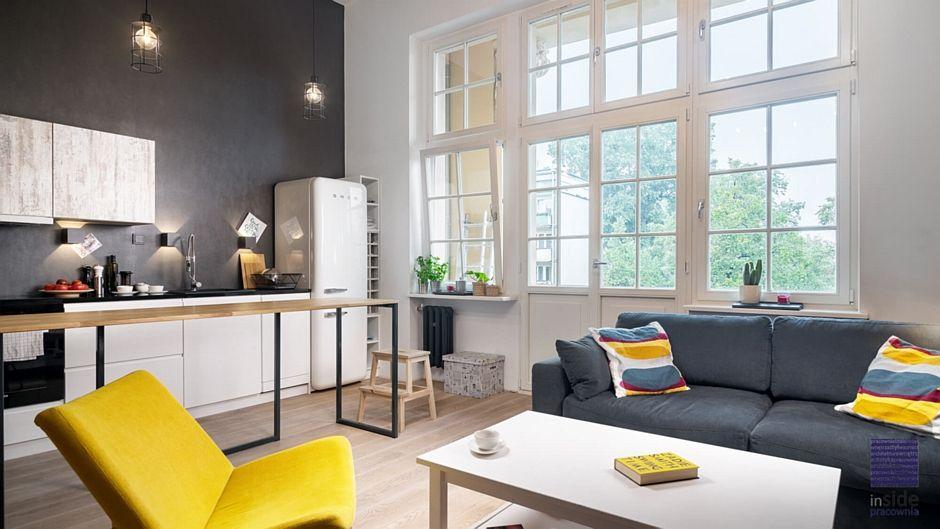 Loftowa Kuchnia Otwarta Na Salon Mieszkanie Z Antresolą