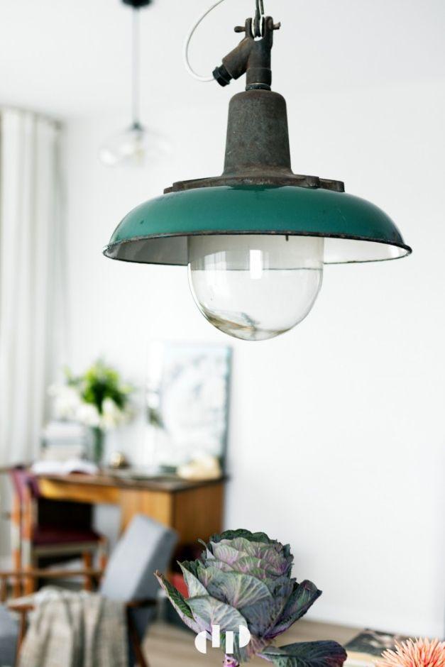 Aranżacje Kuchni Zdjęcie Metalowa Lampa Retro Z Kloszem