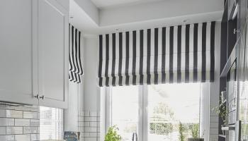 Szara kuchnia z płytkami 3D na podłodze