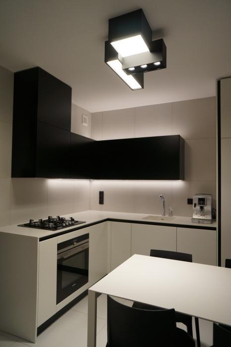 Nowoczesna biało czarna kuchnia w bloku  kuchnia w bloku   -> Kuchnia Bialo Czarna Brazowa