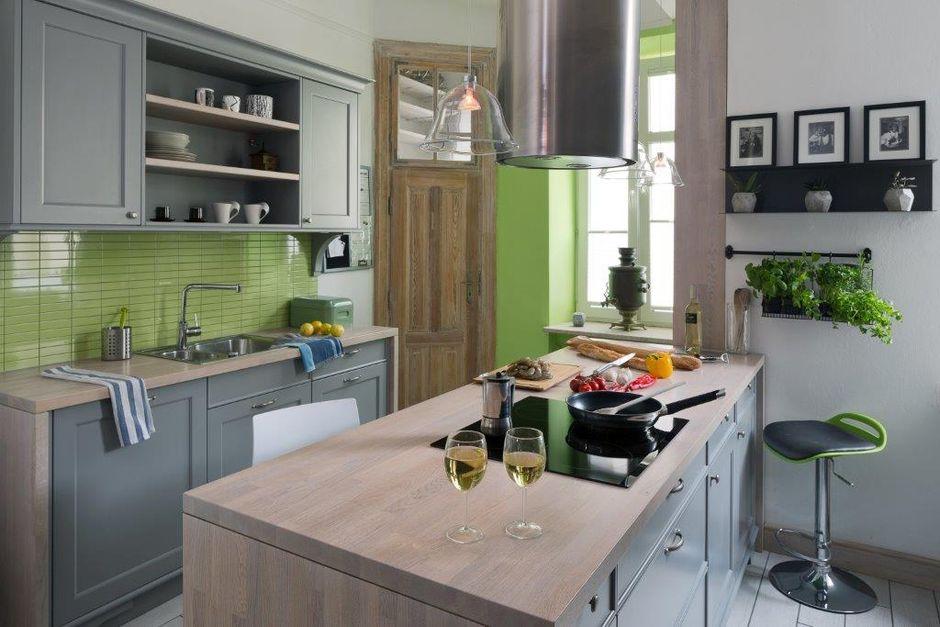 Zielono-czarny hoker w aranżacji kuchni