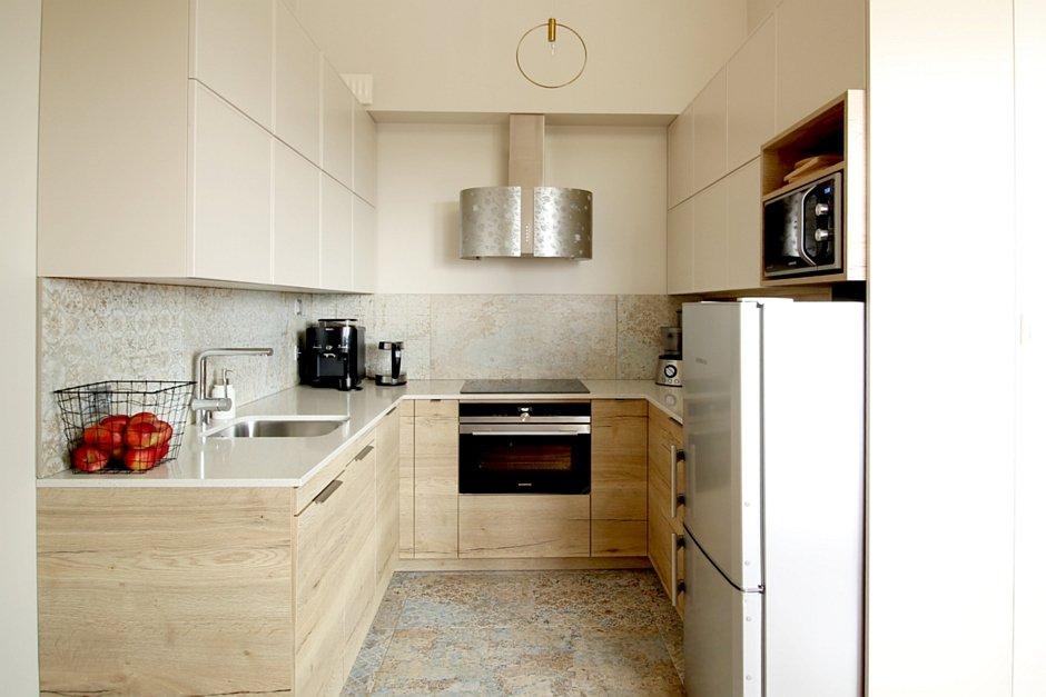 Płytki ze wzorem w wąskiej kuchni