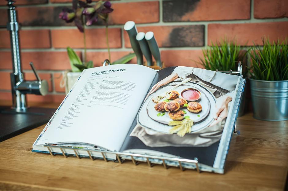 Kuchinox - podstawka pod książkę kucharską