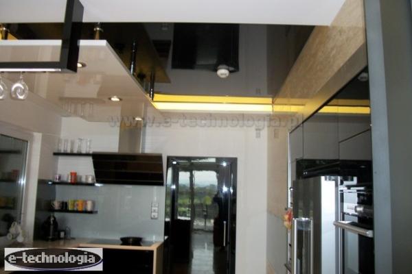 Sufity Napinane Z Oświetleniem Led Oświetlenie W Kuchni