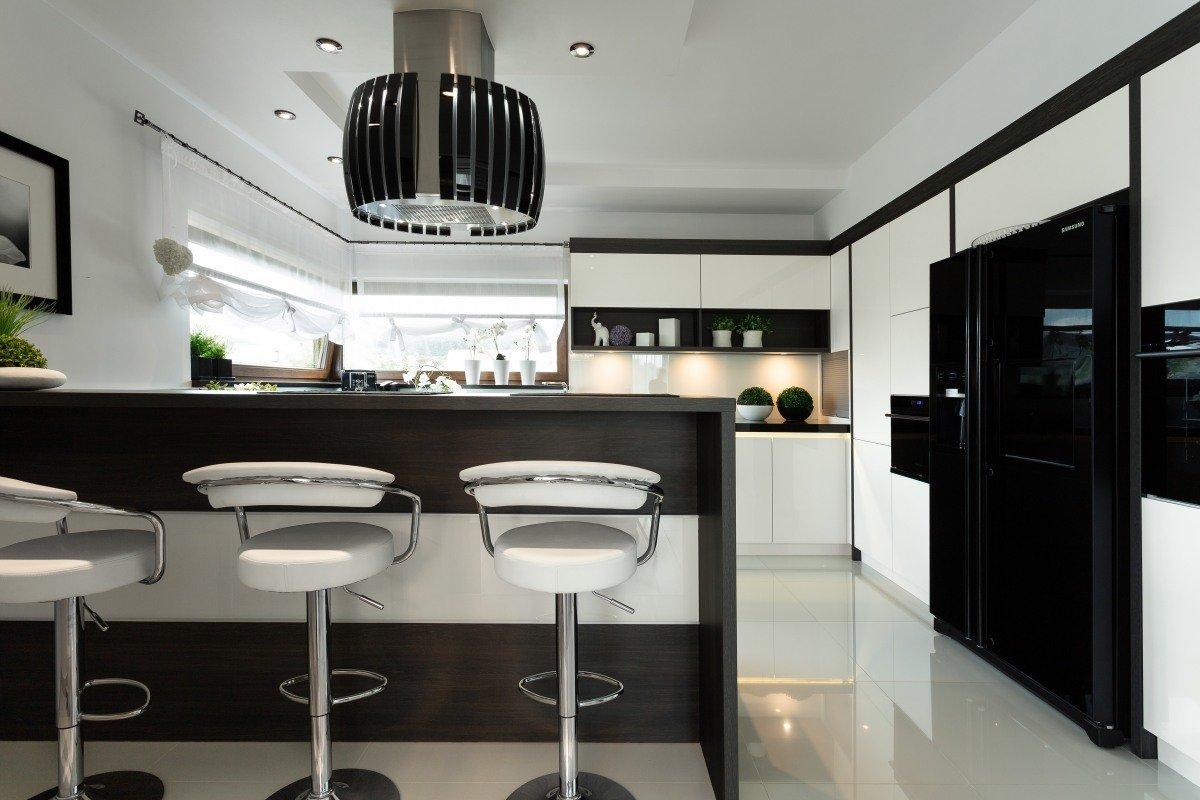 Czarno biała kuchnia  trendy kuchenne  Kuchenny com pl -> Kuchnia Biala Szafki Do Sufitu