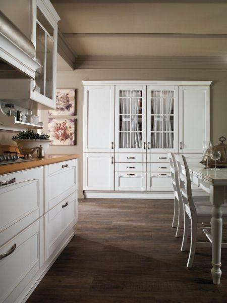 Klasyczna kuchnia z białymi meblami kolekcja Verona Rad - Pol