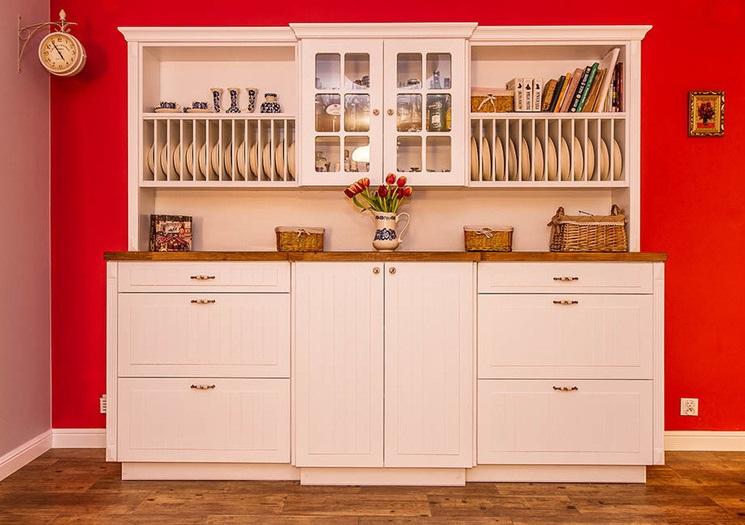 Max Kuchnie - biały kredens w kuchni