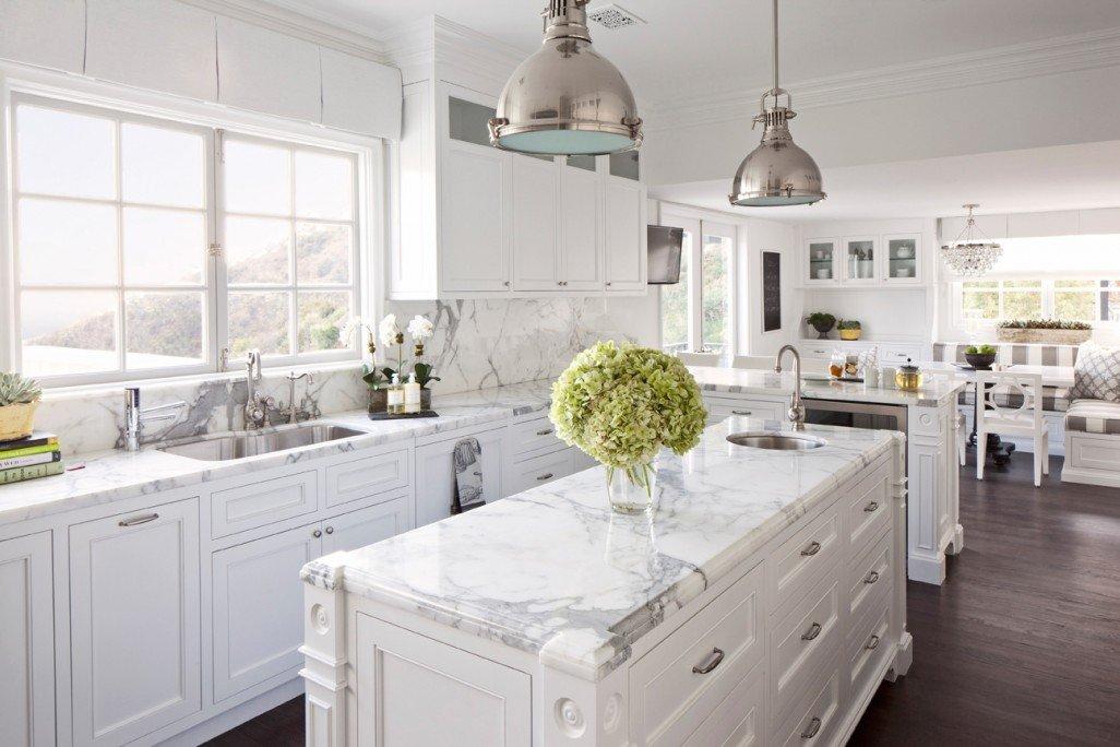 White and dark wood bathroom home design trends - Kuchnia W Stylu Hampton Kuchnia W Stylu Kuchenny Com Pl