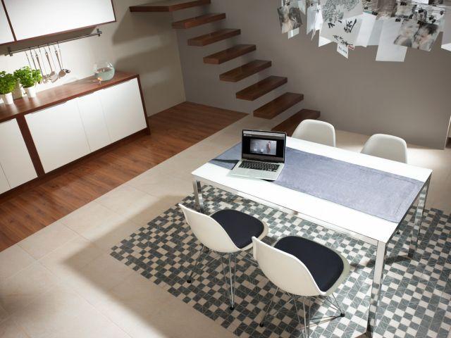 Tripolis cream-grey mozaika na podłodze w kuchni