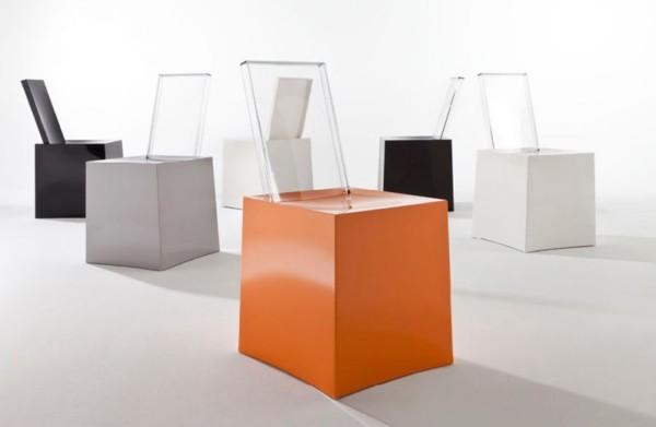 Rosenthal - krzesła firmy Kartell wykonane z  tworzyw sztucznych