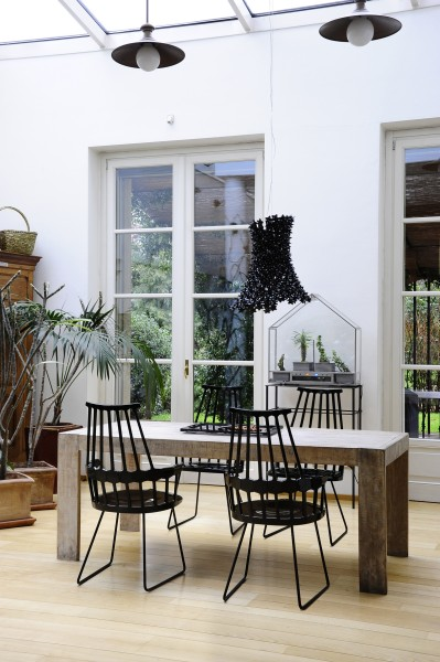 Rosenthal - meble kuchenne, krzesła firmy Kartell wykonane z  tworzyw sztucznych