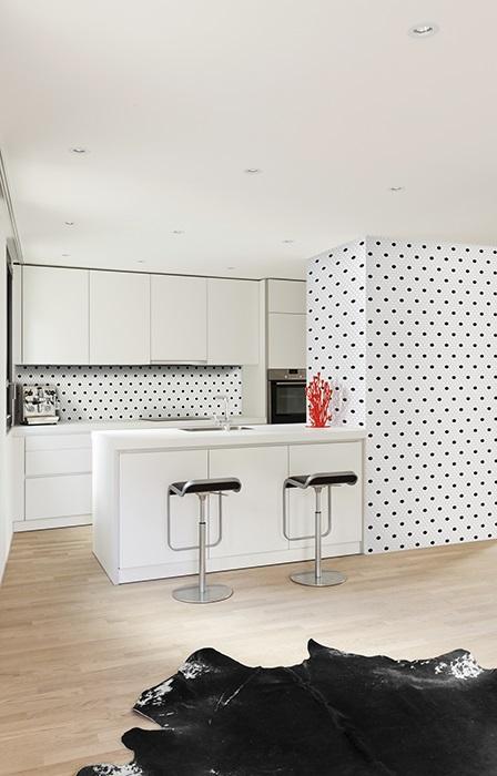 mozaika z kolekcji DUNIN Mini Hexagon Black & White w wersji Spot