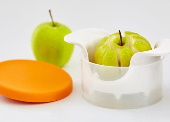 Fiskars - Krajalnica do jabłek z miseczką