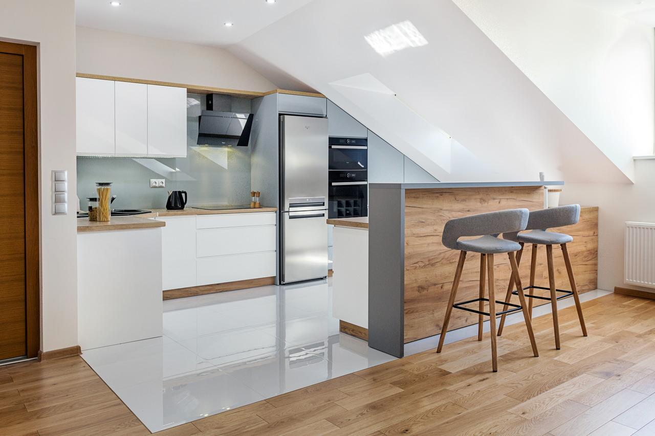 Studio Prestige - Max Kuchnie - aranżacja kuchni na poddaszu