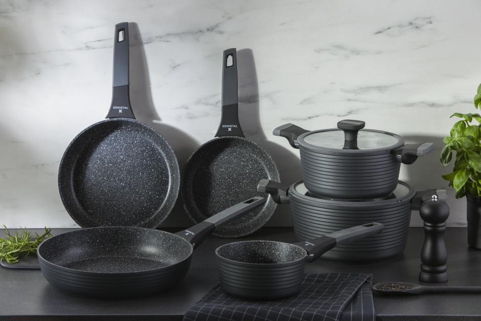 Cała prawda o naczyniach z powłoką nieprzywieralną