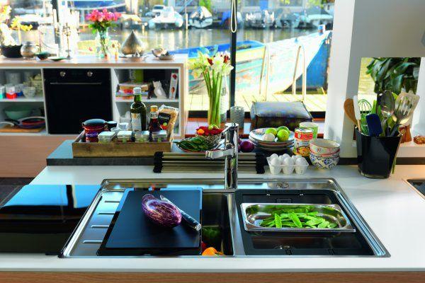Innowacja w kuchni - Lightboard Frames by Franke