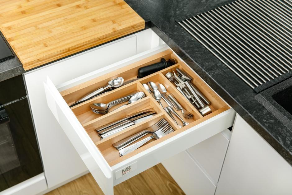Praktyczne schowki kuchenne