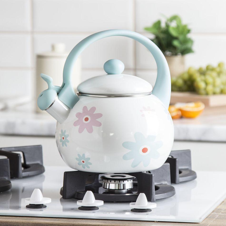 Pastelowy czajnik z kwiatami