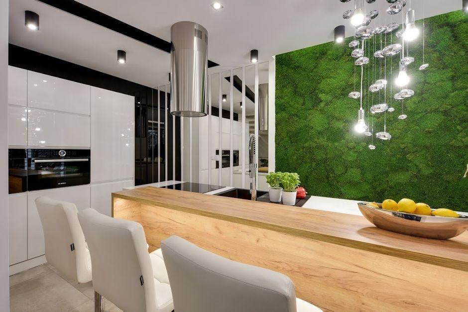 Zielona ściana w kuchni - dekoracja z mchu