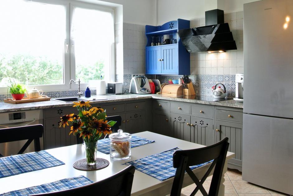 Drewniane fronty w kuchni po odnowieniu