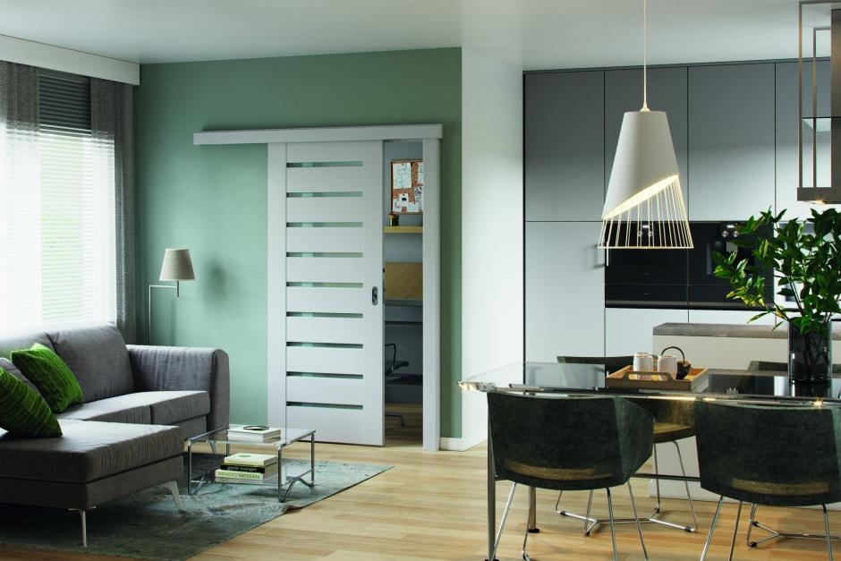 Drzwi w małej kuchni