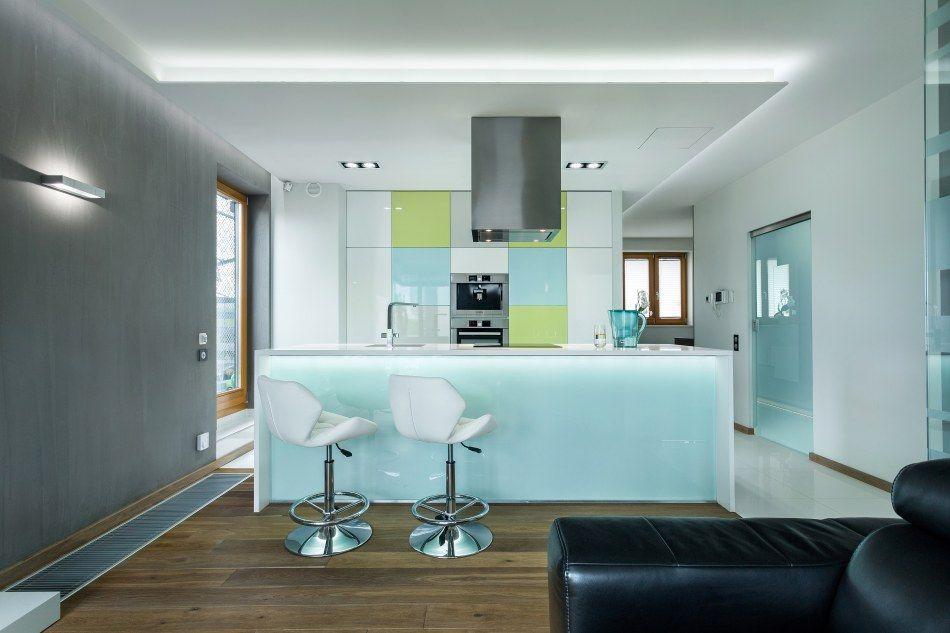 Uk ad front w pionowe czy poziome projekty kuchni for Projekty kuchni z salonem