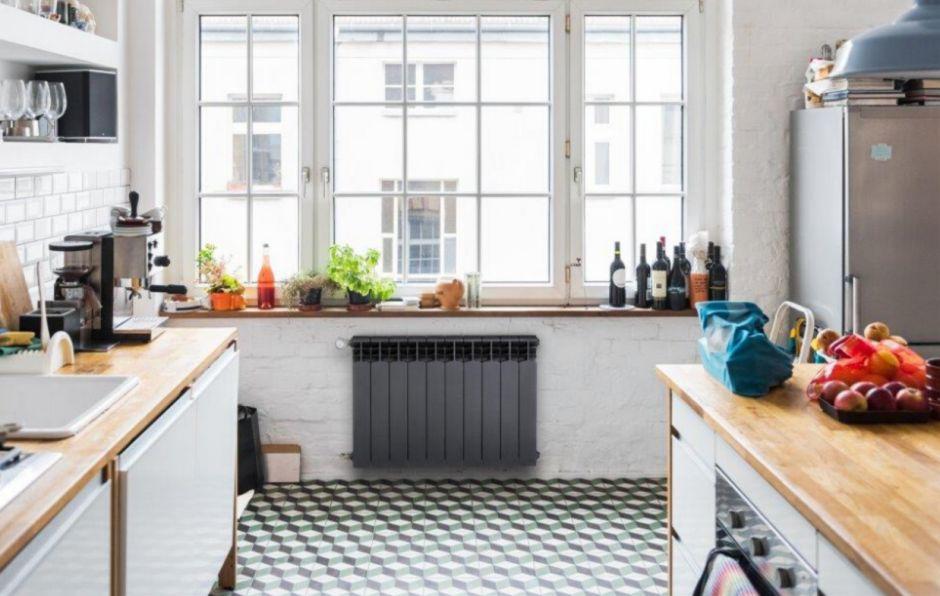 Grzejnik aluminiowy w kuchni