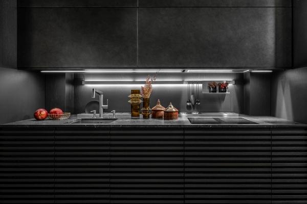 10 stylowych propozycji na meble kuchenne - z czernią