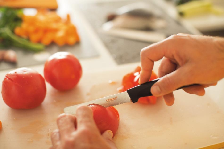 nóż do pomidorów Fiskars