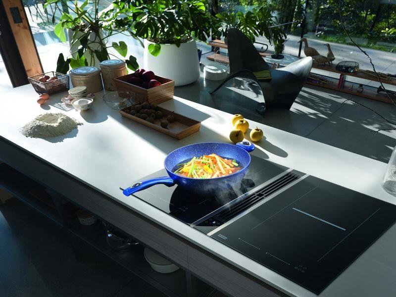 AGD do małej kuchni - okap schowany