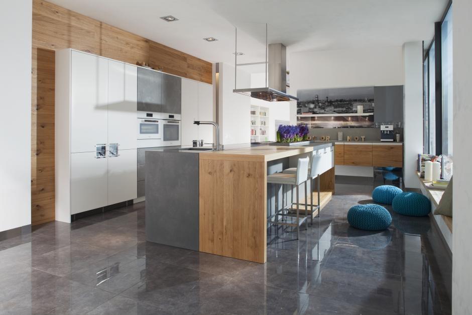 Kuchnia z siedziskiem - pomysł na niebanalną strefę komfortu w kuchni