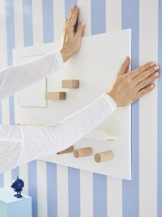 wieszak do powieszania na ścianie w kuchni