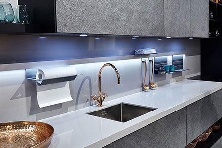 Ręcznik papierowy w kuchni - pomysły na wieszaki